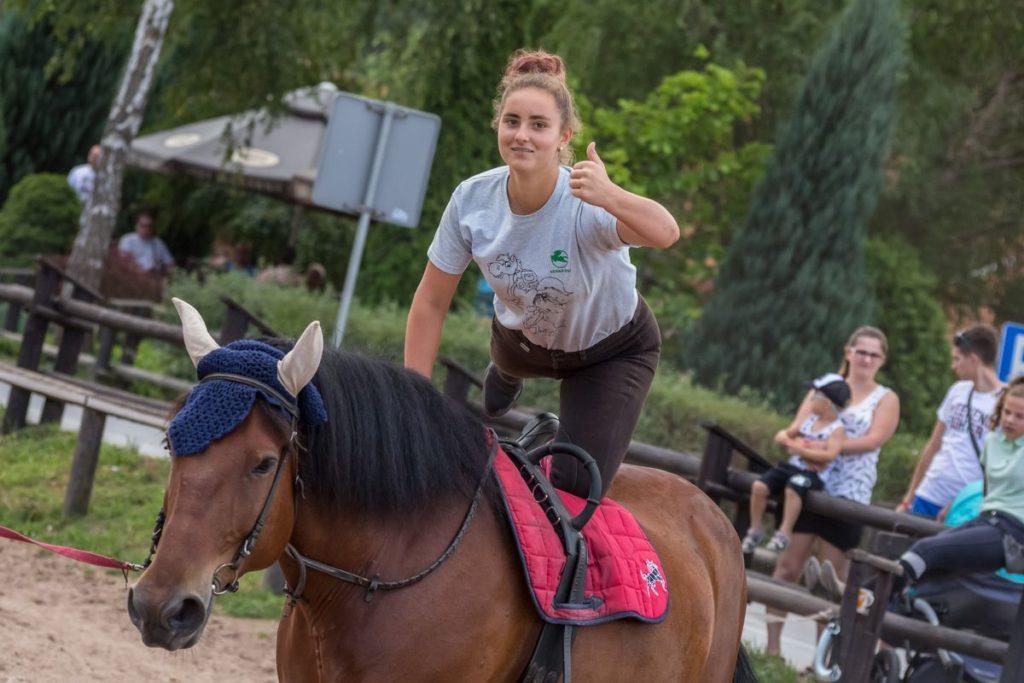Zajęcia na obozie jeździeckim